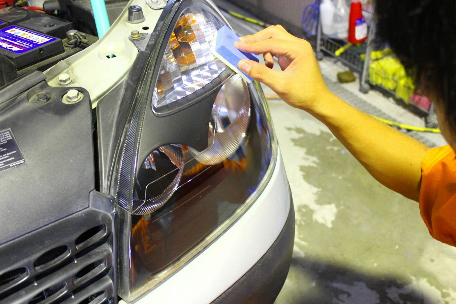 ヘッドライト専用の保護コーティング施工