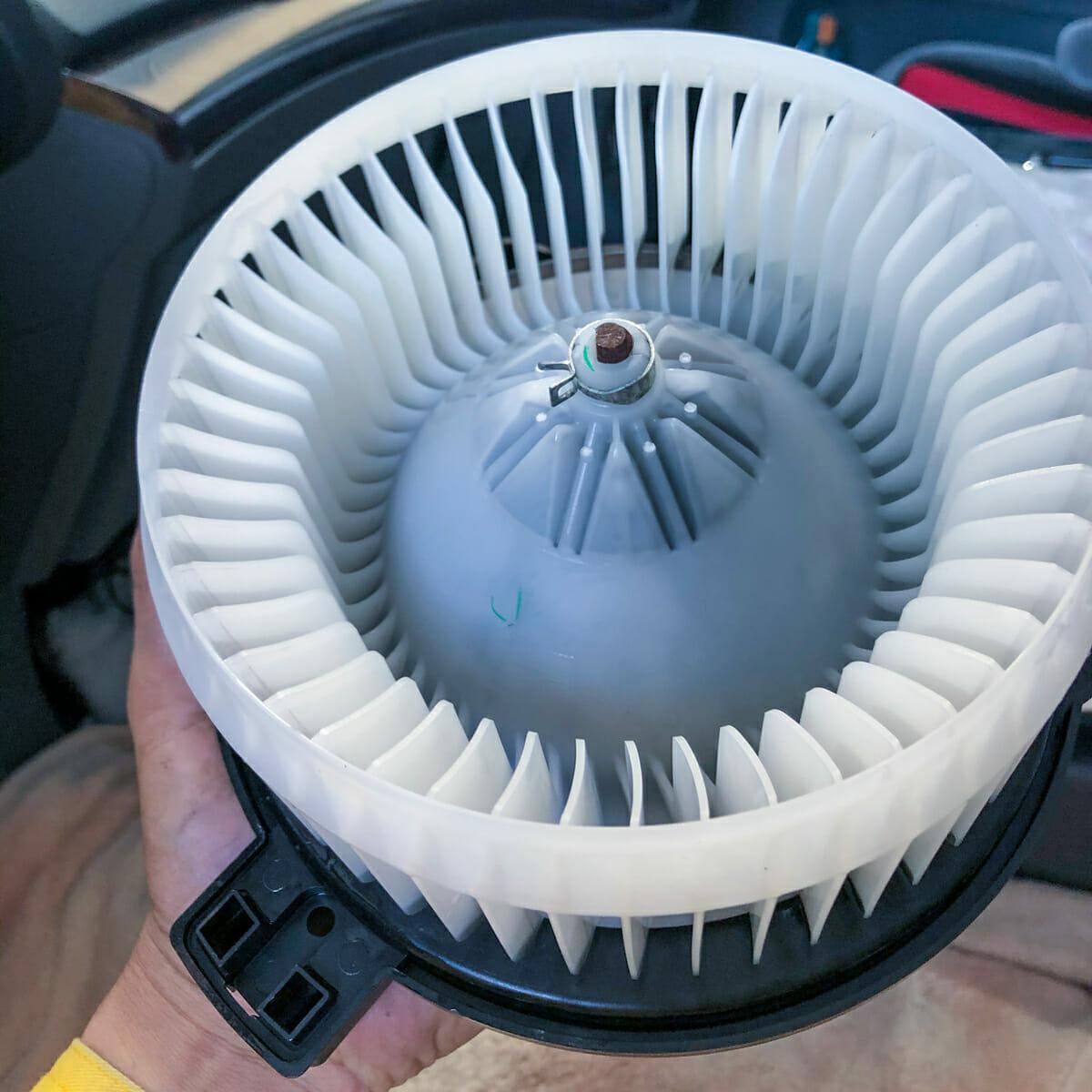 車のエアコンクリーニング H17年式 ホンダ オデッセイ エバポレーター洗浄