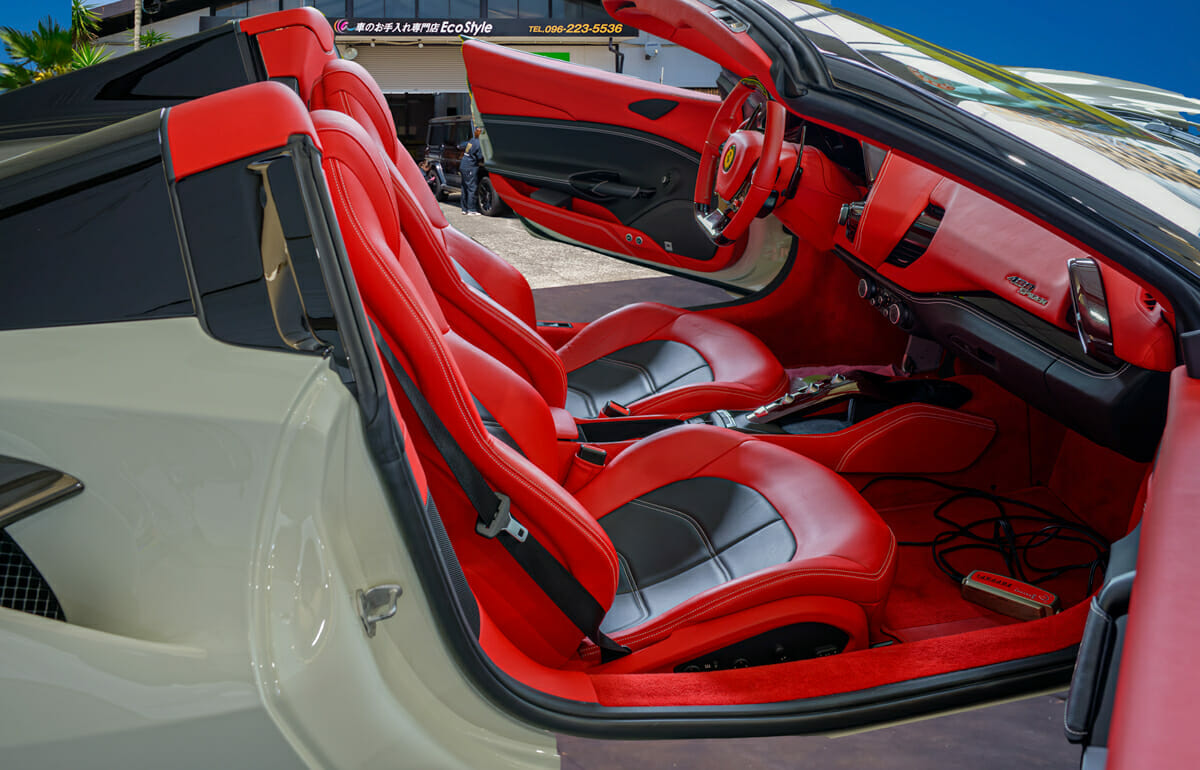 フェラーリ488SPIDERへのシートコーティング